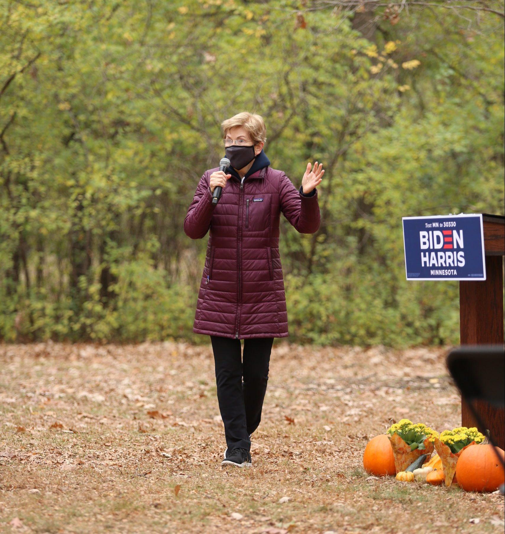 Sen. Elizabeth Warren in Minnesota, tries to motivate progressives who may be lukewarm on Biden