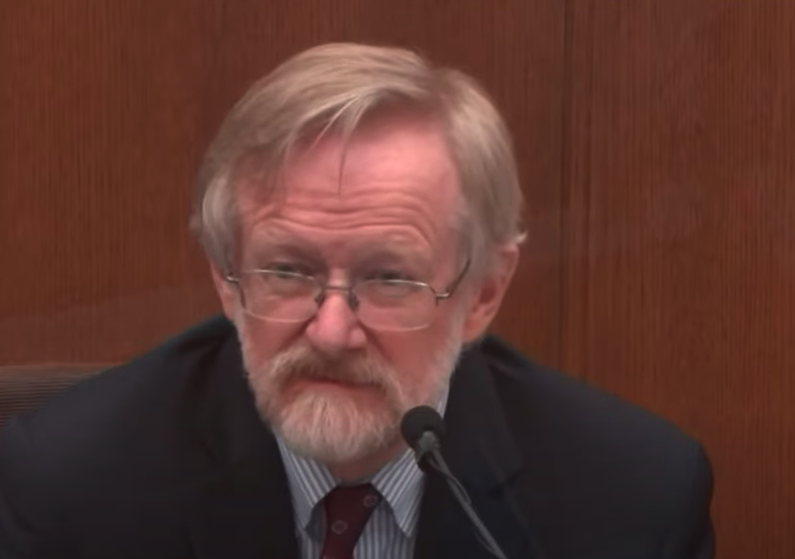 """Breathing expert testifies in Chauvin trial: """"That's the moment the life goes out of his body"""""""
